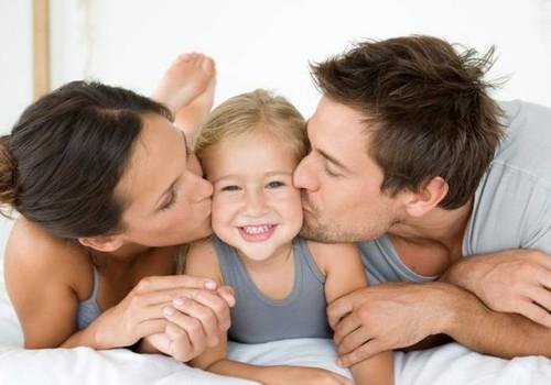 """Kur tėčiai konkuruoja su mamomis arba """"galių"""" pasidalinimas"""
