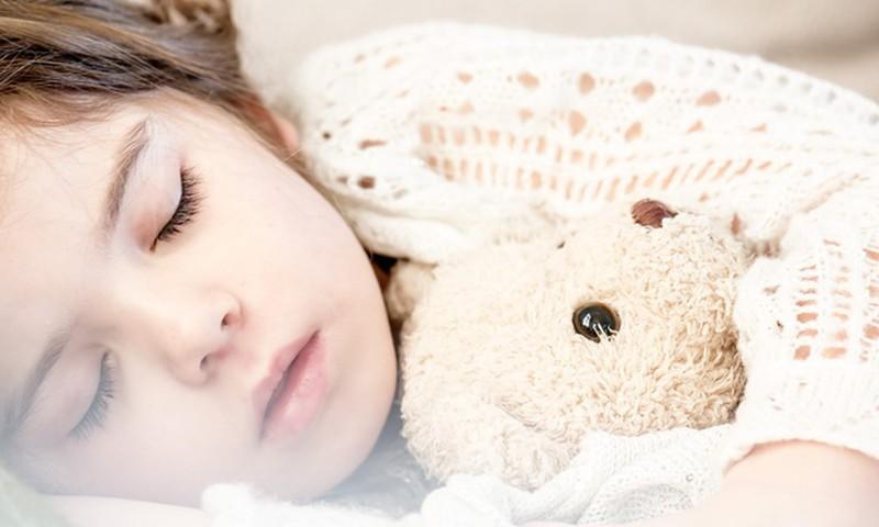 Laikas miegui: o jei ir vėl šlapia lovytė?
