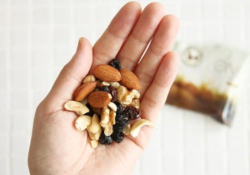 Vietoj saldžios kavos suvalgę džiovintų vaisių - pajusite dvigubą naudą