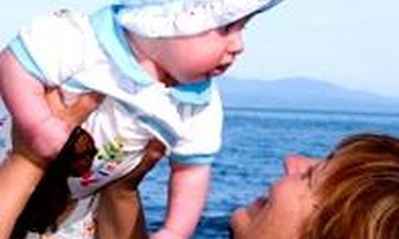 Maitinanti mama: ar nepakenks maudynės?