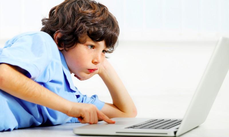 Beveik kas dešimto Lietuvos vaiko vardu internete sukurtas netikras profilis