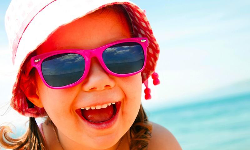 6 kriterijai, kaip išrinkti vaikams akinukus nuo saulės