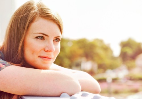 Kaip puoselėti moteriškumą ir darnius santykius: pataria santykių ekspertė