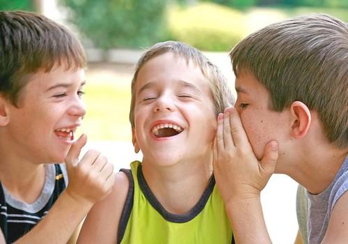 Vaikas juokdamasis nesulaiko šlapimo: pataria psichologė