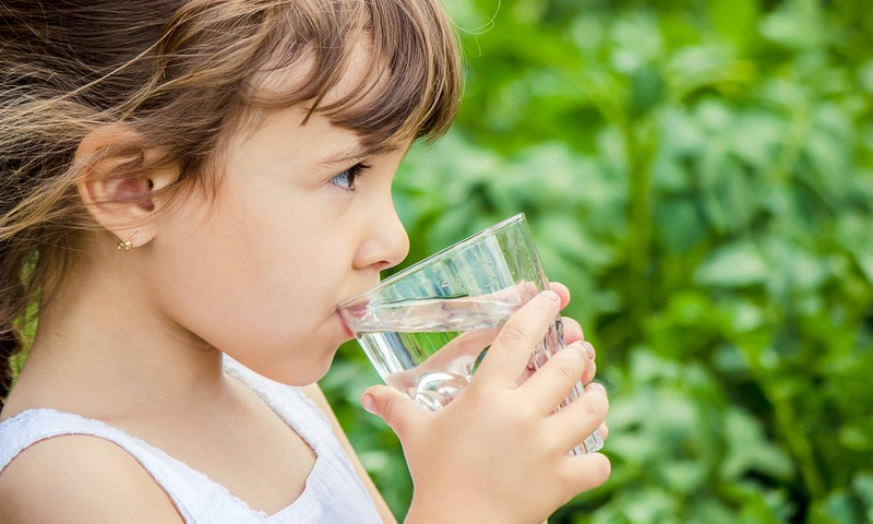 Karšta vasara: kiek ir kokio vandens gerti?