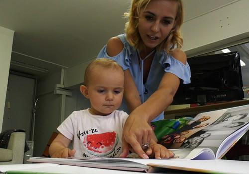 Ko mokosi Indrės Morkūnienės dukra, vartydama šeimos albumus?