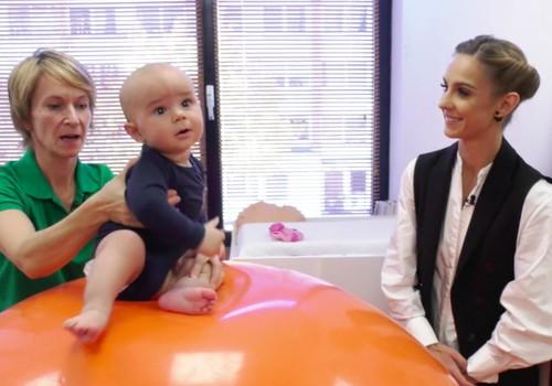 VIDEO: Mokome kūdikį atsisėsti: pratimai