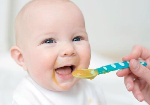 Ar skiriasi neišnešioto kūdikio primaitinimas?