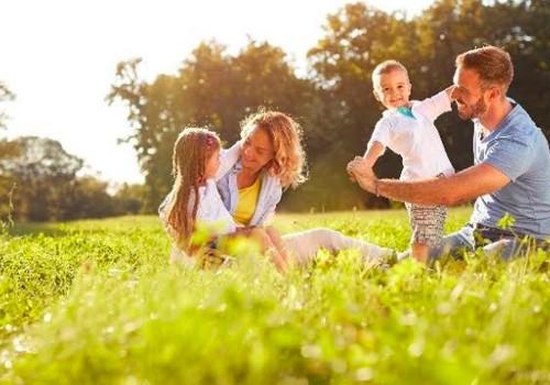 KLAUSK VAISTININKĖS: Kaip apsaugoti šeimą nuo erkių be chemijos?