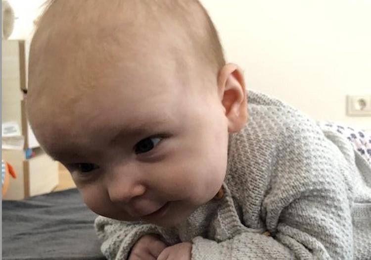 5 priežastys, kodėl mažylius reikia guldyti ant pilvuko