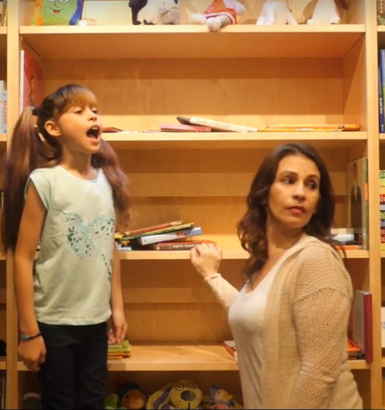 Meškiukas bibliotekoje: Skandalas! Dingo mergaitės!