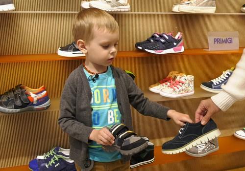 VIDEO: Kiek vaikams reikia batų?