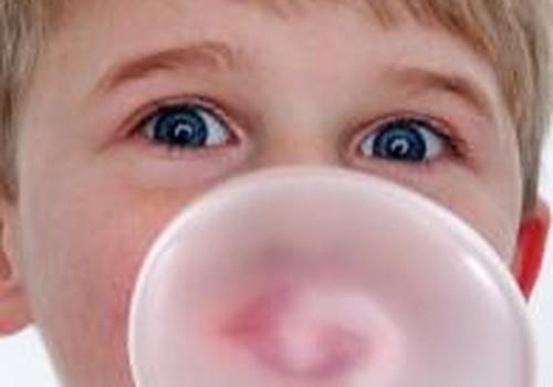 Kramtomoji guma: duoti ar ne