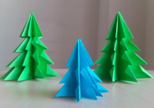 Gaminame Kalėdų eglutes iš popieriaus: 6 idėjos