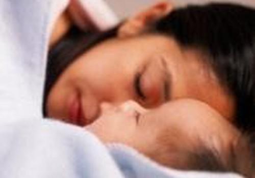 Ar maitinti 3 savaičių kūdikį naktį, jei jis saldžiai miega?