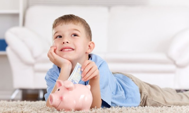15 patarimų, kaip ugdyti vaikų finansinį raštingumą