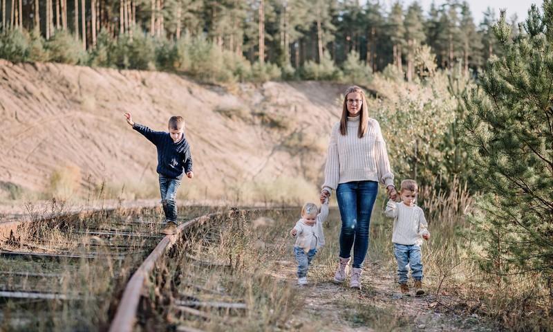 """Trijų vaikų mama Žemyna atvirauja: ,,Visuomenės požiūris į daugiavaikes šeimas labai stereotipiškas"""""""