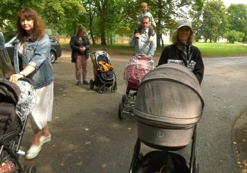 VIDEO: Ekskursijos mamoms su vežimėliais Vilniuje