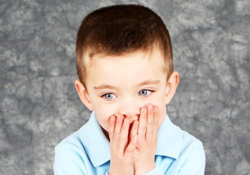 Ar antra kalba kenkia vaikui?