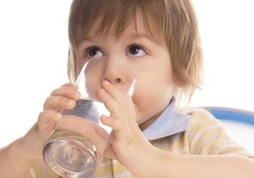 Kokį vandenį geria jūsų vaikai?