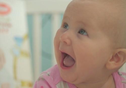 VIDEO: Kūdikio vystymosi vadovas - 5 mėnuo