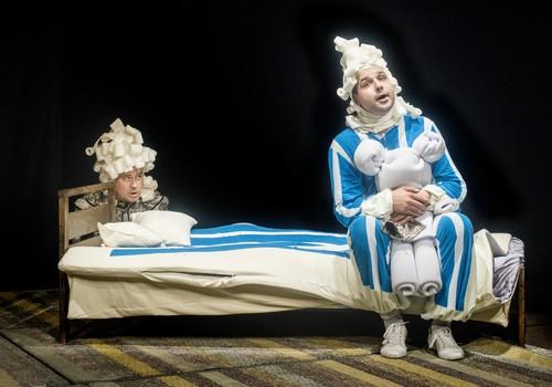 """""""Bildukai"""" ir baimes valganti lova Tarabilda – spektaklis mažiesiems """"Keistuoliuose"""""""