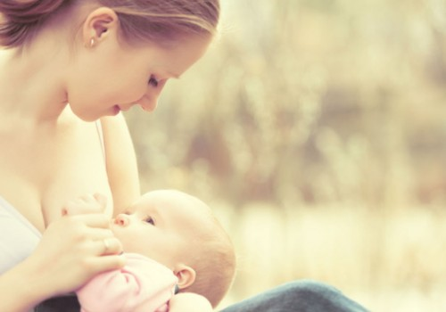 Po gimdymo viena krūtis tapo didesnė: ar sunerimti?