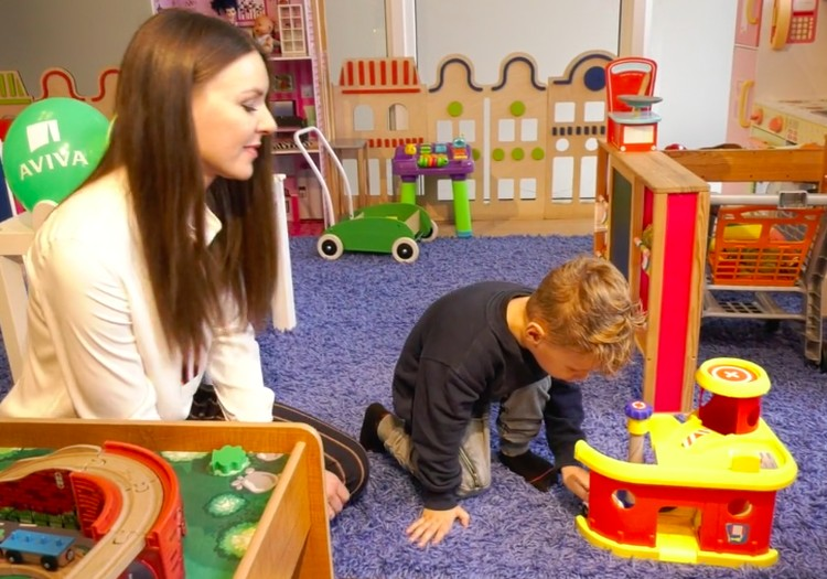 VIDEO: Ar įmanoma suderinti motinystę ir darbą?