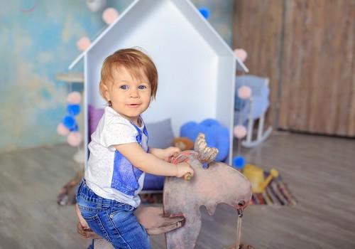 7 žaidimų idėjos, kai vaikas dar nori žaisti, bet mama jau pavargo