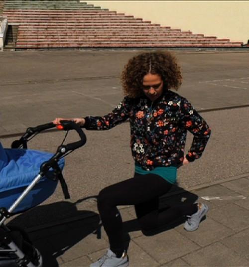 VIDEO: Mankšta su vežimėliais parke su trenere Simona