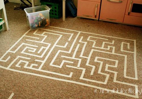 Labirintas ant kilimo - lengvai pasidarykite namuose