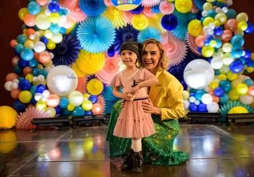 Šeimų šventė ir Mamyčių klubo 10-tasis gimtadienis Vilniaus rotušėje pritraukė tūkstančius šeimų!