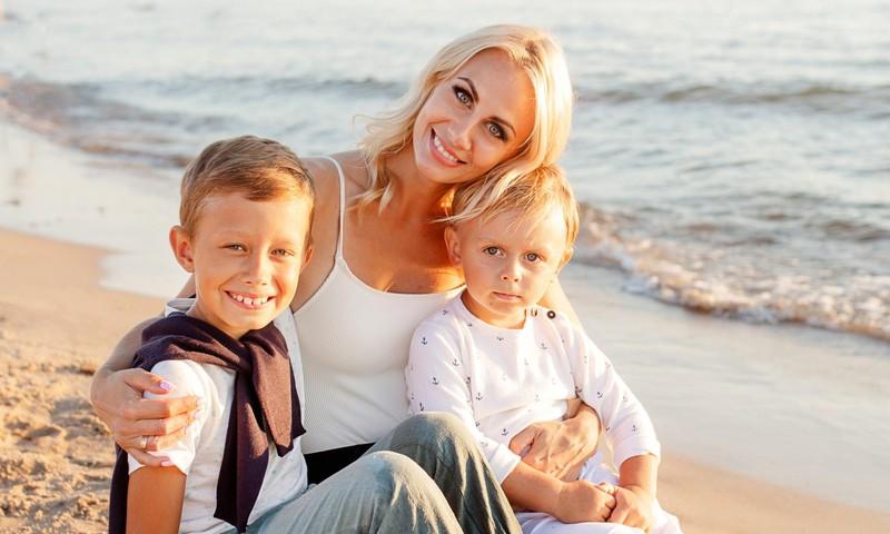"""Dviejų vaikų mama Agnė Bastienė atvira: """"Karantino metu veiklos iš namų tikrai padaugėjo"""""""