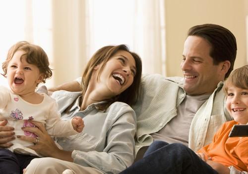 """Valentino dienos proga SKUBIAI ieškome šeimos išskirtinei laidos temai """"Ar skiriasi mamos ir tėčio meilės?"""""""