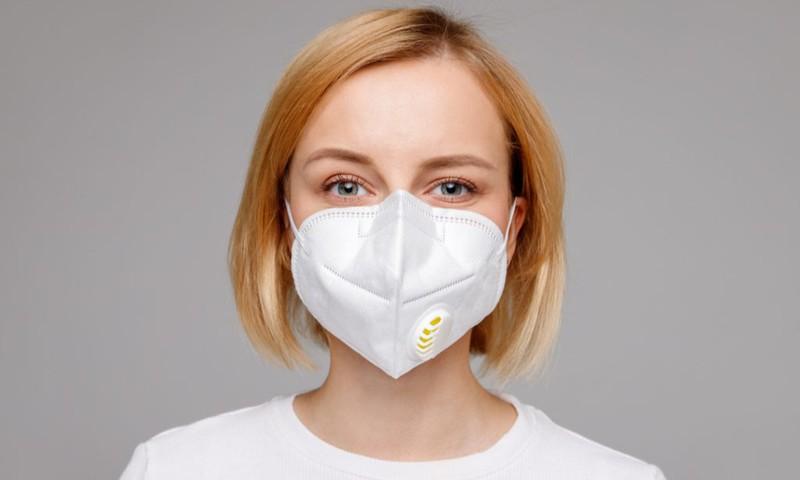 Viešose vietose BŪTINA dėvėti veido apsaugos priemones!
