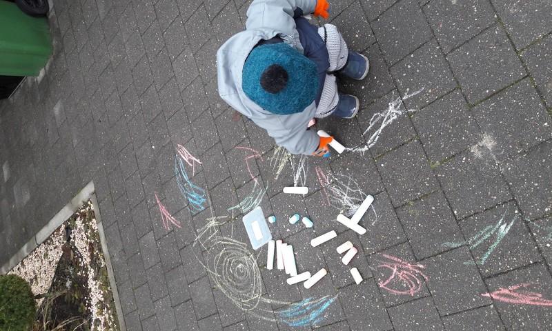Du mažyliai namuose: žaidimai su vaikais
