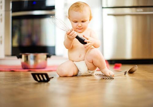 Kraustome namų stalčius: 5 žaidimų idėjos