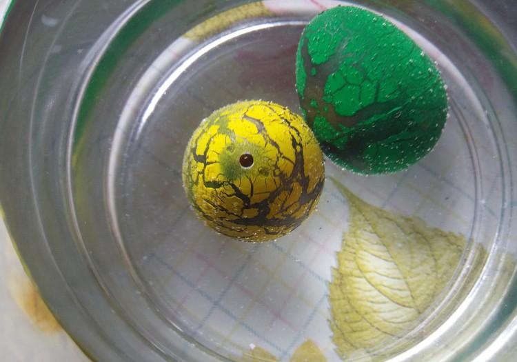 VASAROS BLOGAS: Kas kiaušinyje gyvena :)
