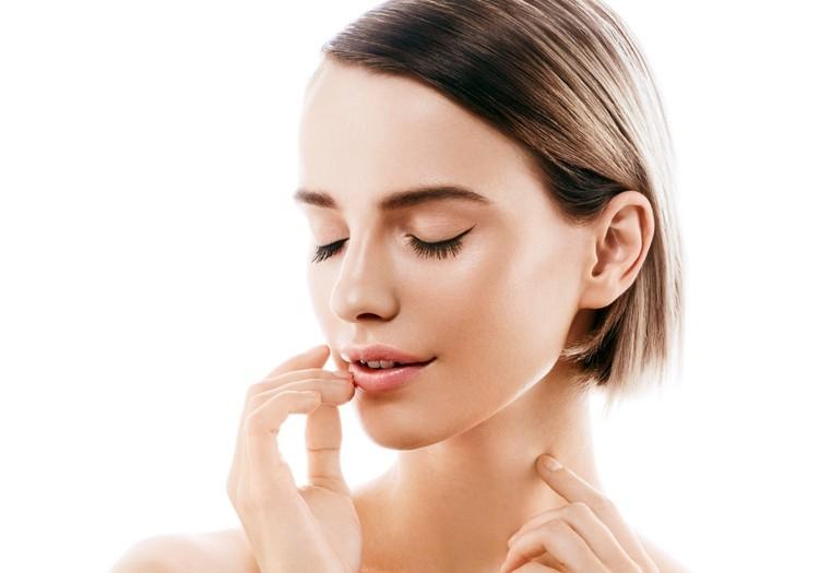 Veido procedūros, padedančios giliai sudrėkinti odą