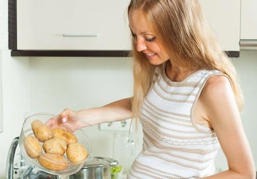 Kuo pavojingas gausus bulvinių patiekalų vartojimas nėštukei?