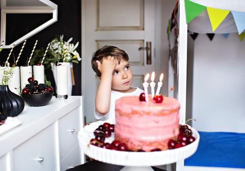 Nukarūnuotos vaikų švenčių spalvos – rožinė ir žydra