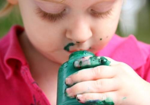 Kai mažylis valgo nevalgomą: konsultuoja gydytoja neurologė
