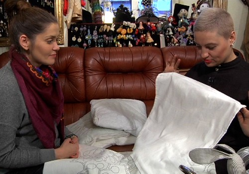 """VIDEO """"Mamos dirbtuvėlės"""": siuvame pagalvėles"""