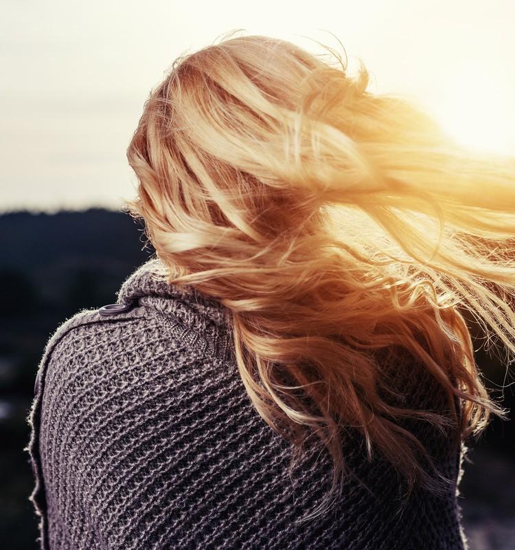 Plaukų dehidratacija: 4 taisyklės gyvybingiems ir žvilgantiems plaukams