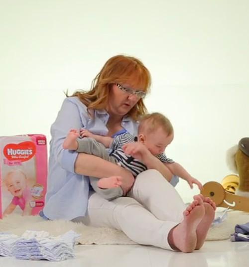 Kaip pakeisti sauskelnes aktyviam mažyliui