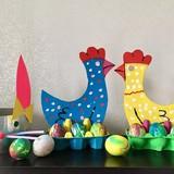 """Karūna ,,zuikis"""", stovas """"višta"""" kiaušiniams, su servetėlėmis marginti kiaušiniai"""