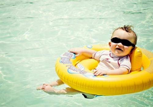 Pirmosios vaiko maudynės ežere ir jūroje: ką žinoti?