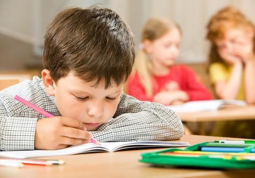 Vaikų depresija: kaip pasireiškia ir ką daryti