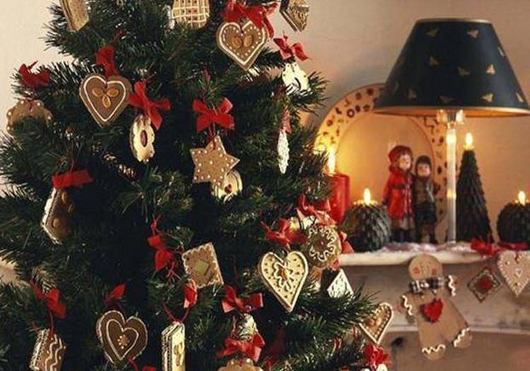 Psichologė ragina per šventes nepamiršti izoliacijoje esančių artimųjų