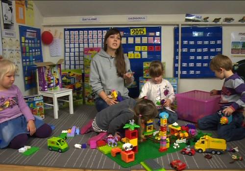 TV Mamyčių klubas 2015 11 14: sportas su vaikiškais vežimėliais, žaidimų taisyklės ir arbatos mažiesiems